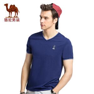 骆驼男装 夏季新款青年流行V领时尚印花休闲短袖T恤衫男上衣