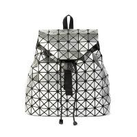 2018春夏新款镭射魔方双肩包漆皮菱格旅行大背包日式几何折叠女包