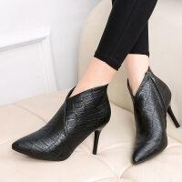 女靴短筒高跟鞋欧美秋冬短靴女尖头细跟裸靴新款时尚中跟时装靴
