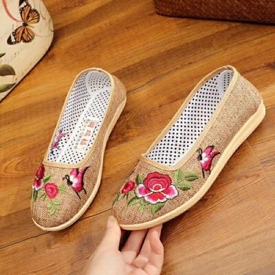 春夏季老北京中老年妈妈布鞋软底舒适平底绣花鞋母老人鞋