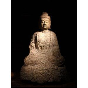 石雕释迦摩尼像