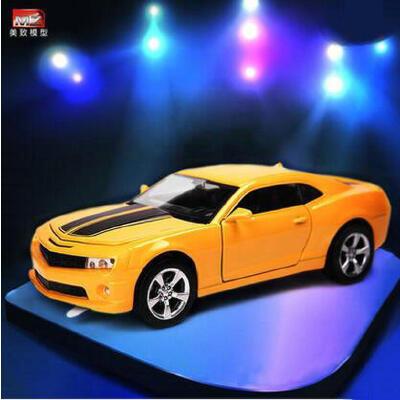 美致MZ 合金车模型仿真雪佛兰大黄蜂 儿童回力玩具小汽车模型玩具 车门可开 声光回力 合金材质