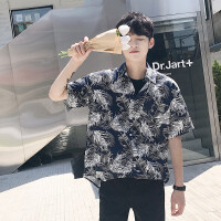 新款男士衬衣韩版时尚青少年短袖衬衫宽松男bf风印花薄款上衣