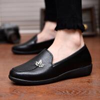 软底妈妈鞋新款春夏季中年妇女士透气单鞋中老年人工作鞋皮鞋女鞋