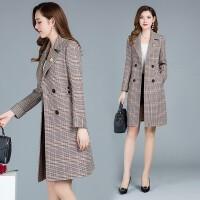 玫兰妮女士风衣春秋季2018新款韩版娃娃领长袖中长款修身格子外套