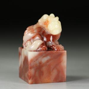 寿山老性巧色芙蓉石 精雕古兽钮印章 jd3218