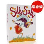 英文原版绘本 Silly Sally 傻傻的莎莉 倒着走的女孩 廖彩杏书单推荐亲子共读 纸板撕不烂书 儿童启蒙绘本Au
