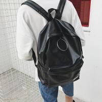 2018新款日韩潮流青少年男女铁环个性逛街双肩包PU皮包包时尚背包