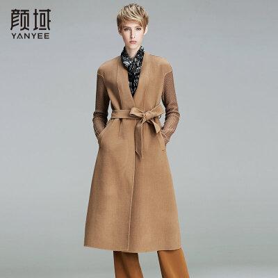 颜域品牌女装2017冬装新款欧美纯色拼接针织长袖双面呢大衣时尚拼接设计,展现别致美感  配腰带