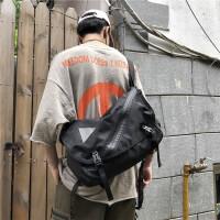 大容量男士斜挎包街头潮流嘻哈原宿机能包学生单肩包包
