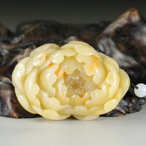 寿山老性芙蓉石 精雕花开富贵手件 p3265