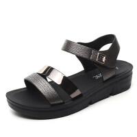 2019新款夏季平底女鞋中年中老年坡跟女士百搭厚底中跟妈妈鞋凉鞋