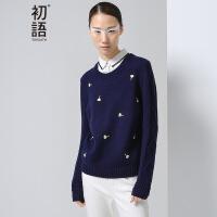 初语 春季新品 趣味绣花格纹拼接假两件针织衫女8630323021