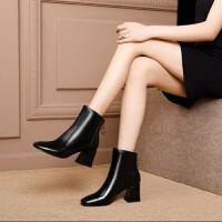 马丁靴女秋冬新款靴子女方头粗跟短靴女高跟加绒全皮大码女靴
