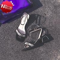 仙女风女士小香风女鞋平底粗跟露趾凉鞋女2019夏季新款韩版百搭中粗跟一字扣带中空罗马高跟鞋鞋