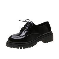 黑色皮鞋女英伦风韩版百搭2019新款学生漆皮系带粗跟中跟女单鞋子