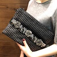 韩版休闲女士信封包2018秋冬新款时尚带钻手拿包百搭容量宴会包潮