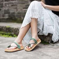 玛菲玛图海边度假风沙滩鞋女2019新款夏季甜美夹趾仙女绿色花朵平底凉鞋女80817-5W