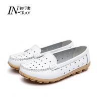 妈妈鞋真皮软底小白鞋女春季女单鞋休闲平跟牛筋底护士鞋豆豆鞋女