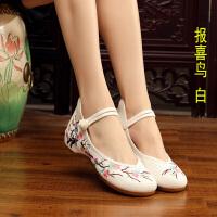 201908181726253842019新款老北京绣花鞋布鞋女士复古风牛筋底汉服鞋低帮内增高单鞋
