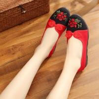 女鞋春季新款老北京工艺布鞋软底绣花鞋广场舞鞋子中年妈妈鞋