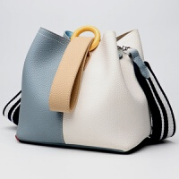 新款真皮女包水桶包包欧美时尚手提包单肩斜挎包 蓝配白