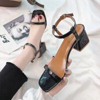 2019春夏新款女鞋一字带方头粗跟罗马凉鞋女高跟漆皮露趾凉鞋中跟百搭 黑 色 35 女款