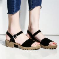 彼艾2017夏季新款韩版一字带扣露趾凉鞋女夏平跟平底低跟粗跟简约女鞋凉鞋