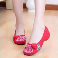 老北京女布鞋牛筋底绣花鞋民族风工作鞋坡跟红色妈妈舞蹈单鞋春秋 红色 牡丹球