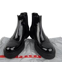 PRADA女款漆皮半布洛克式短靴 黑色款