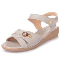 妈妈凉鞋女夏季坡跟平底软底休闲舒适中年中老年防滑女凉鞋大码43