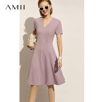 Amii法式气质黑色显瘦a字连衣裙女2021春新款赫本风V领修身裙子夏\预售8月2日发货