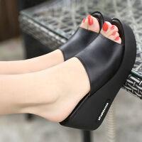 夏季软皮一字拖坡跟女士厚底松糕韩版室外鱼嘴防滑高跟水钻凉拖鞋