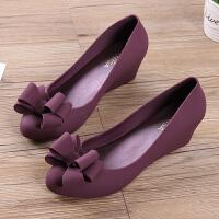 坡跟果冻鞋女新款蝴蝶结浅口雨季防水塑料凉鞋时尚甜美雨天鞋