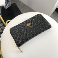 女士钱包2018新款欧美时尚编织纹拉链长款钱包小蜜蜂手拿包现货