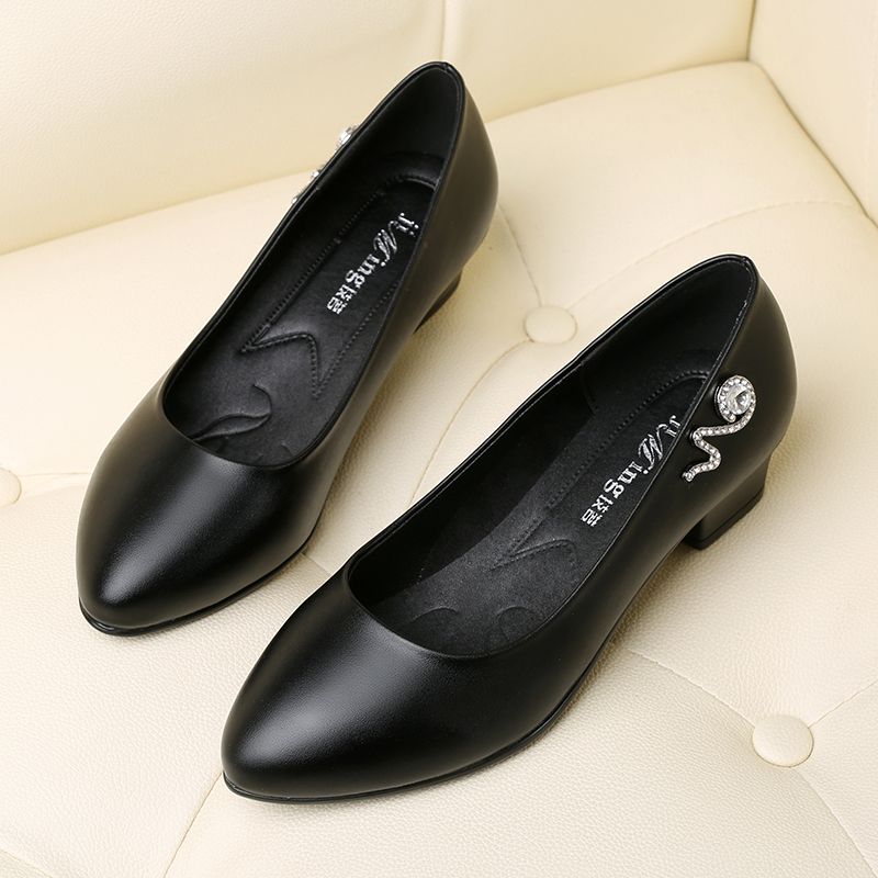 妈妈鞋中跟单鞋女粗跟职业女士皮鞋防滑软底工作鞋女春季新款女鞋