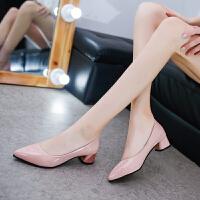 2019春秋新款女单鞋低黑色工作鞋跟尖头粗跟漆皮浅口高跟鞋女鞋子