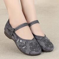 女汉服鞋子老北京平跟布鞋中国风红色绣花鞋软底女