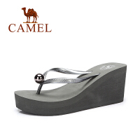 骆驼女鞋 夏季新款时尚简约百搭人字拖女 防滑高跟坡跟拖鞋