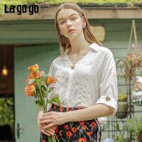 Lgogo/拉谷谷2019夏季新款V领蝙蝠袖亮丝面料上衣女IASS375F11