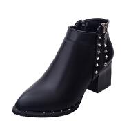 秋季英伦尖头铆钉粗跟短靴女冬黑色单靴高跟马丁靴拉链复古及裸靴 黑色