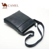 Camel骆驼男包 单肩斜挎包男版竖款商务休闲牛皮背包男士包包