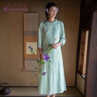 生活在左2019春夏季新款女装绿色长袖连衣裙绣花文艺复古裙子长裙