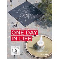 正版 One Day in Life 英文原版