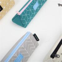 青壹坊TR-AA30181MONDAY几何正三角笔袋4款图案颜色随机创意文具笔盒文具袋韩式风格大中小学生幼儿园男女孩办