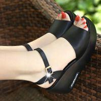 一字扣凉鞋女夏新款防水台松糕厚底坡跟防滑高跟女士皮鱼嘴凉拖鞋 黑色 凉鞋