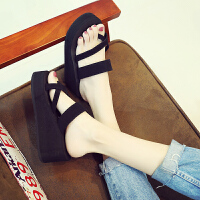 拖鞋女夏时尚厚底防滑松糕高跟套趾凉拖鞋外穿坡跟人字拖女沙滩鞋