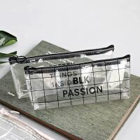 尼家文具 大容量 小方格纹加长型笔袋简约透明袋倒梯形铅笔收纳袋