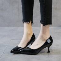高跟鞋女2019秋季新款细跟5厘米韩版单鞋中跟猫跟鞋尖头漆皮夏季百搭鞋