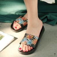 2019凉拖女款花朵沙滩鞋一字拖平跟拖鞋度假凉鞋女夏季休闲防滑鞋